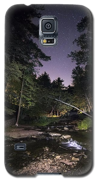 Galaxy S5 Case featuring the photograph Wolf Creek Starry Night by Mark Papke