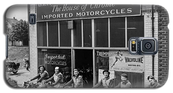 The Motor Maids Of America Outside The Shop They Used As Their Headquarters, 1950. Galaxy S5 Case by Lawrence Christopher