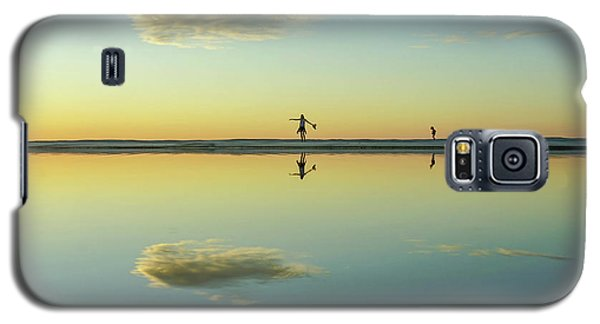 Woman And Cloud Reflected On Beach Lagoon At Sunset Galaxy S5 Case