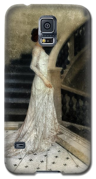 Woman In Lace Gown On Staircase Galaxy S5 Case by Jill Battaglia