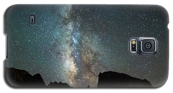 Galaxy S5 Case featuring the photograph Wonders Of The Night by Darren White