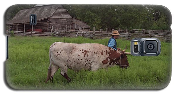 Galaxy S5 Case featuring the photograph Working Farm Oxen by Joshua House