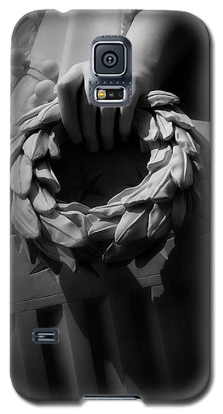 Galaxy S5 Case featuring the photograph Wreath Of Victory And Shield by Chrystal Mimbs