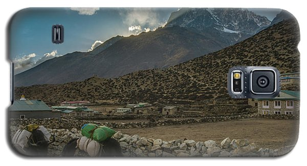 Galaxy S5 Case featuring the photograph Yaks Moving Through Dingboche by Mike Reid