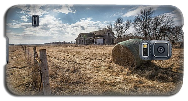 Galaxy S5 Case featuring the photograph Yale by Aaron J Groen