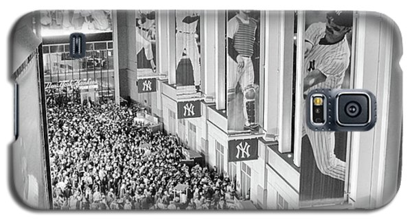 Yankee Stadium Great Hall 2009 World Series Black And White Galaxy S5 Case