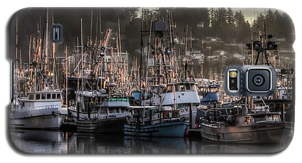 Yaquina Bay Boat Basin At Dawn Galaxy S5 Case by Thom Zehrfeld
