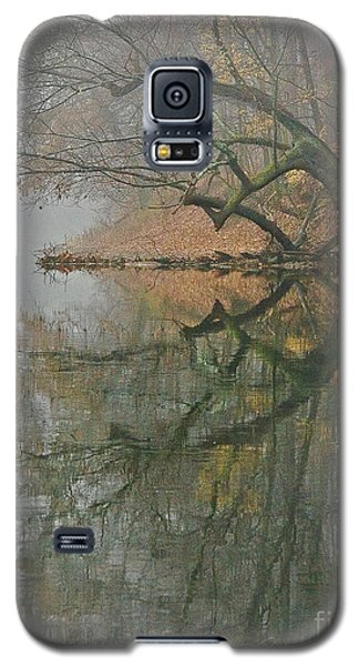 Galaxy S5 Case featuring the photograph Yearming by Tom Cameron