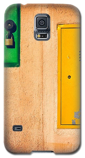 Galaxy S5 Case featuring the photograph Yellow And Green by Silvia Ganora