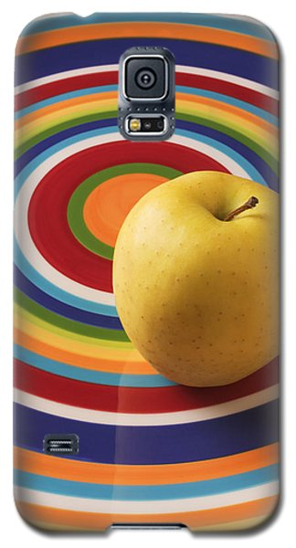 Apple Galaxy S5 Case - Yellow Apple  by Garry Gay