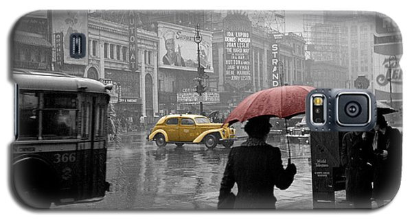 Yellow Cabs New York 2 Galaxy S5 Case by Andrew Fare