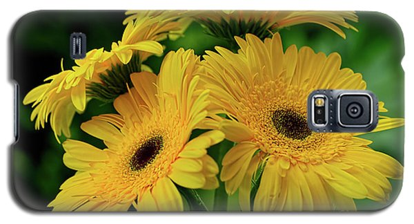 Galaxy S5 Case featuring the photograph Yellow Chrysanthemums By Kaye Menner by Kaye Menner