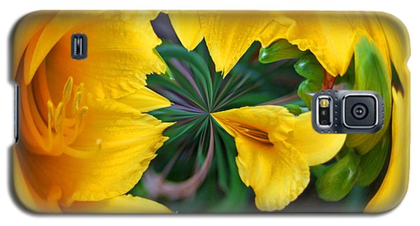 Yellow Lily Orb Galaxy S5 Case by Bill Barber