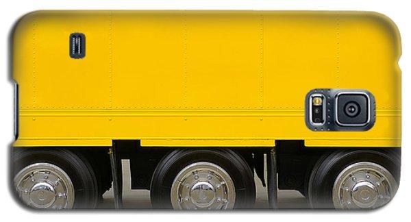 Yellow Truck Galaxy S5 Case by Carlos Caetano