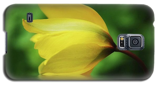 Yellow Tulip Galaxy S5 Case by Elaine Manley