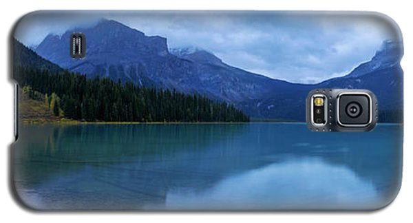 Galaxy S5 Case featuring the photograph Yoho by Chad Dutson