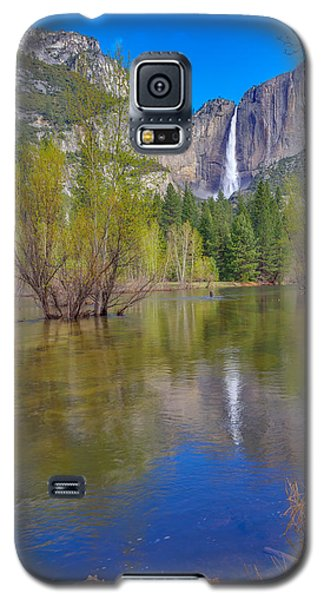 Galaxy S5 Case featuring the photograph Yosemite Falls Cook's Meadow by Scott McGuire