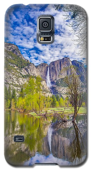 Yosemite Falls In Spring Reflection Galaxy S5 Case