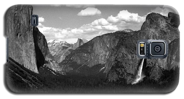 Galaxy S5 Case featuring the photograph Yosemite National Park  by Emanuel Tanjala