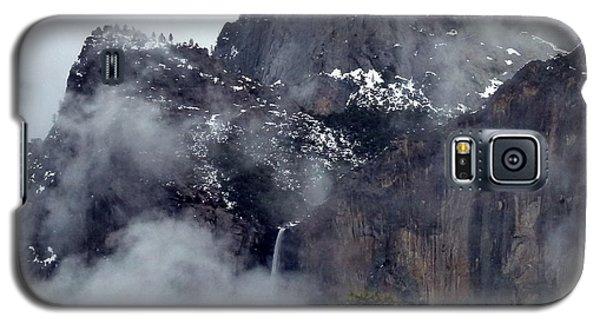 Yosemite Snowy Bridalveil Falls  Galaxy S5 Case