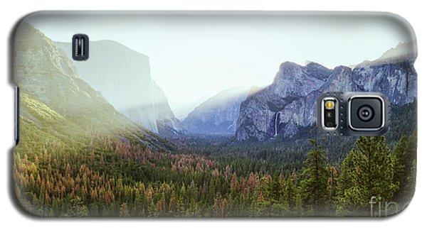 Yosemite Valley Awakening Galaxy S5 Case by JR Photography