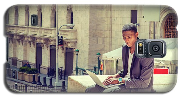 Young African American Man Working On Wall Street In New York Galaxy S5 Case