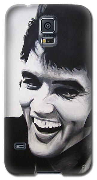 Galaxy S5 Case featuring the painting Young Elvis by Ashley Price