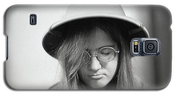 Young Woman With Long Hair, Wearing A Pith Helmet, 1972 Galaxy S5 Case