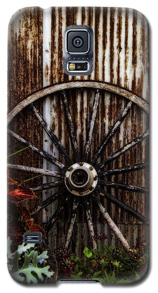 Zahrada Galaxy S5 Case by Greg Collins