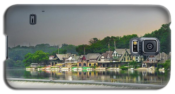 Galaxy S5 Case featuring the photograph Zoo Balloon Flying Over Boathouse Row by Bill Cannon