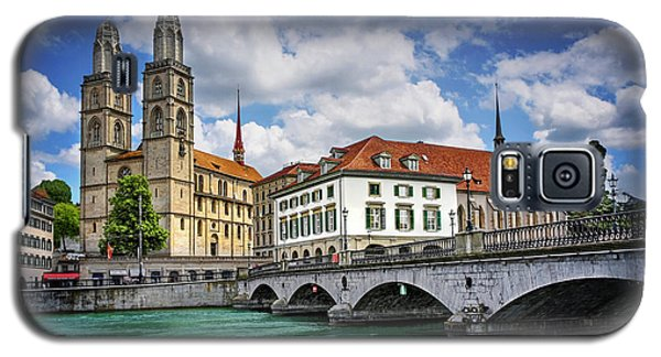 Galaxy S5 Case featuring the photograph Zurich Old Town  by Carol Japp