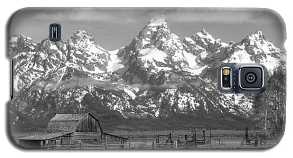 Mormon Row Moulton Barn Black And White Panorama Galaxy S5 Case by Adam Jewell