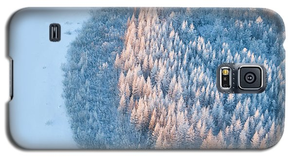 Cold Galaxy S5 Case - Aerial View Of Forest River In Time Of by Vladimir Melnikov