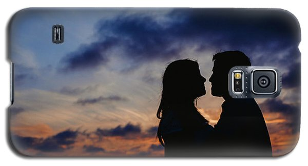 Couple With Cloud Sky Backlight Galaxy S5 Case