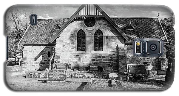 19th Century Sandstone Church In Black And White Galaxy S5 Case