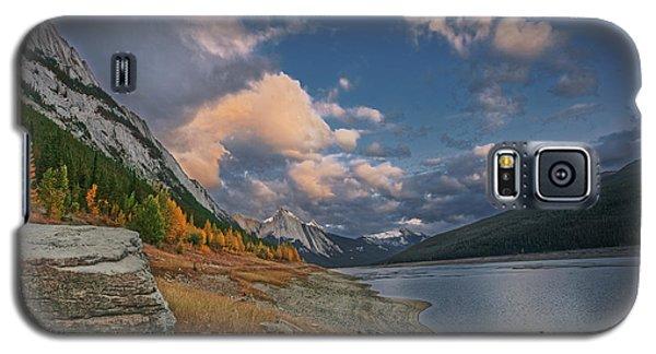 Galaxy S5 Case featuring the photograph Medicine Lake, Jasper by Dan Jurak
