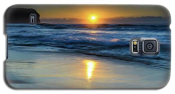 Sunrise Lights Up The Sea Galaxy S5 Case