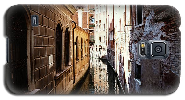 A Shadow In The Venetian Noon Narrow Canal Galaxy S5 Case