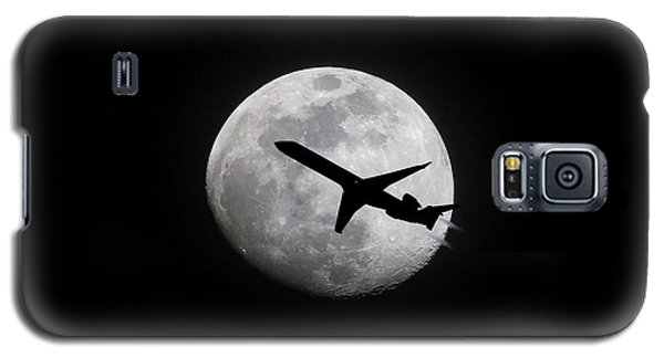 Airliner Passing In Front Of A Full Moon Galaxy S5 Case