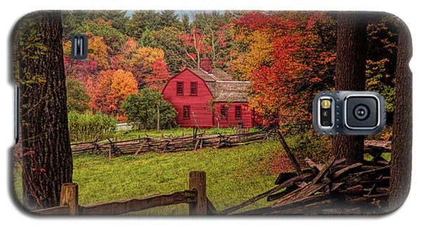 Autumn Fall Colors Over A Red Wooden Home Galaxy S5 Case
