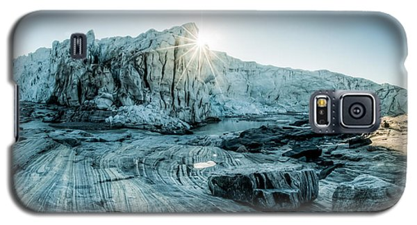 Cold Galaxy S5 Case - Awesome Sunrise Over The Glacier In The by Petrjanjuracka