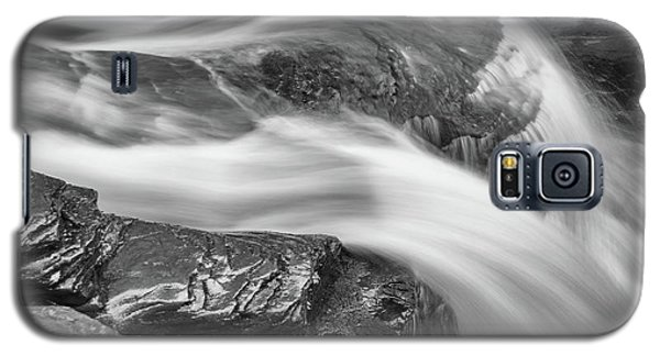 Black And White Rushing Water Galaxy S5 Case