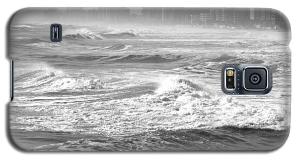Black And White Waves Galaxy S5 Case