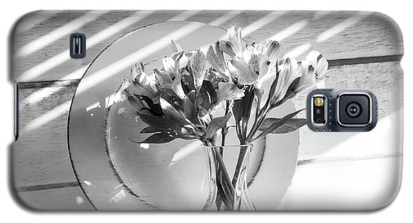 Bouquet And Plate-bw Galaxy S5 Case