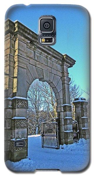 Chorley. Gates In The Snow Galaxy S5 Case