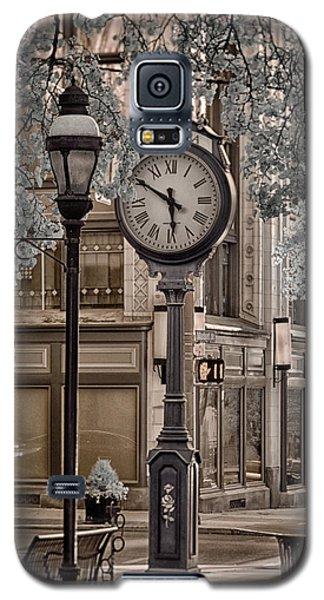 Clock On Street Galaxy S5 Case