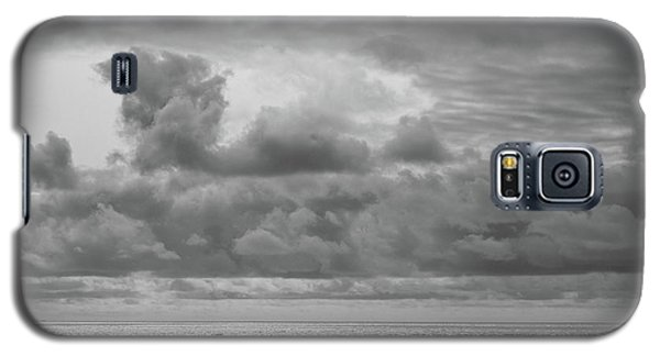 Cloudy Morning Rough Waves Galaxy S5 Case
