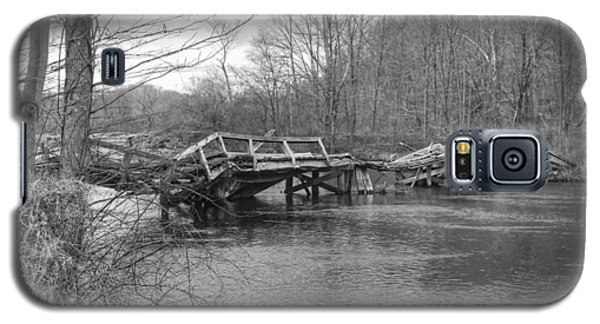 Collapsed Bridge At Waterloo Village Galaxy S5 Case