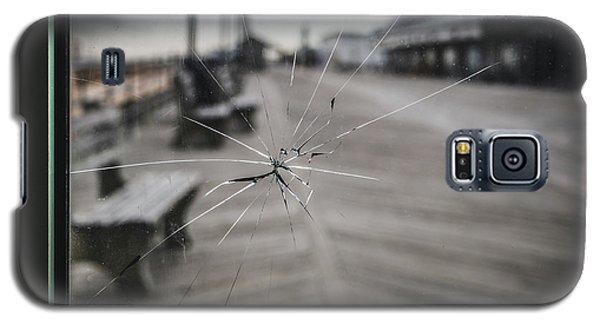 Crack Galaxy S5 Case