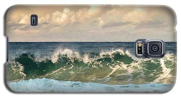 Crashing Waves And Cloudy Sky Galaxy S5 Case